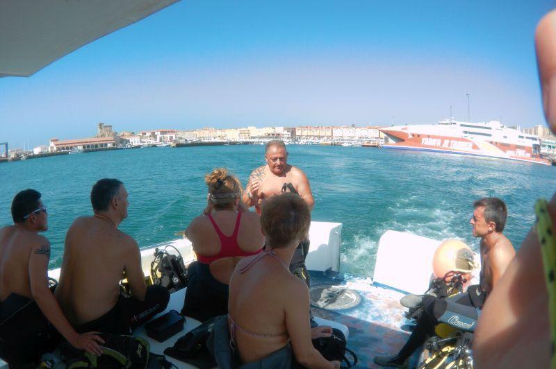 Clase de Buceo en Cadiz Tarifa en el barco